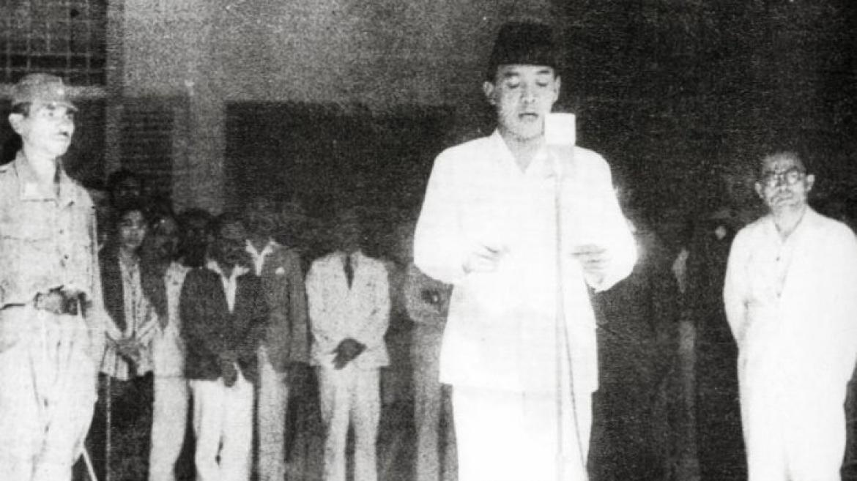 100 7 Batam Fm 6 Fakta Teks Proklamasi Kemerdekaan Indonesia Pakai Tulisan Tangan Soekarno Dan Sempat Terbuang